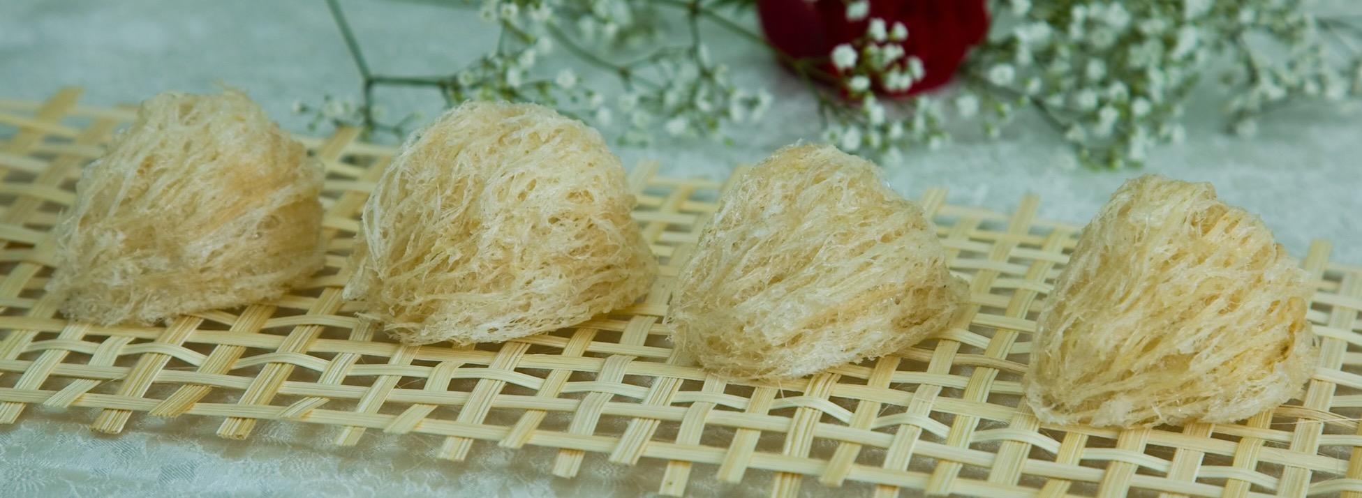 Cách chưng yến sào với hạt sen tươi và nấm trắng giúp chữa bệnh đau đầu 2