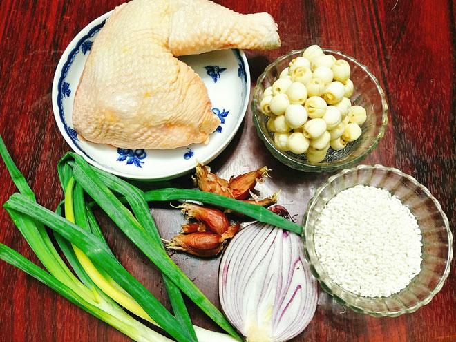 Học ngay công thức ché biến món cháo gà hạt sen, tổ yến giúp bồi bổ sức khỏe 2