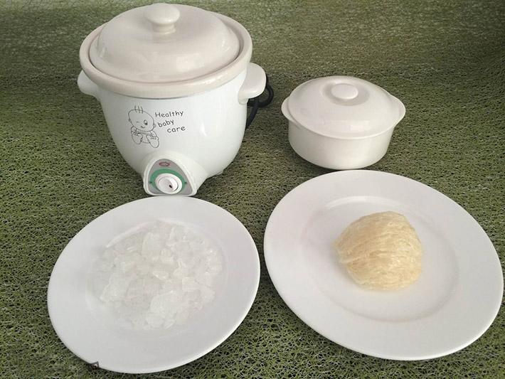 Hướng dẫn cách chưng tổ yến với hạt sen, bạch quả, táo tàu và nhãn nhục thơm ngon nhất 3