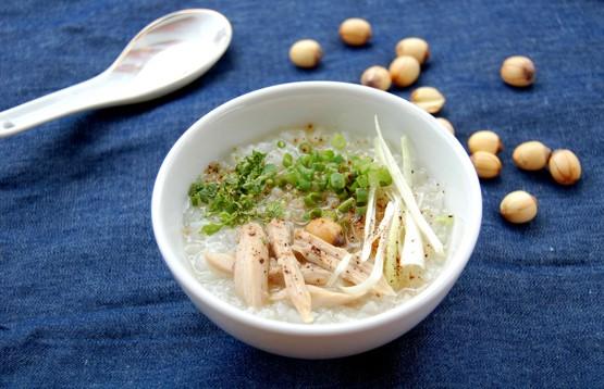 Học ngay công thức ché biến món cháo gà hạt sen, tổ yến giúp bồi bổ sức khỏe 4