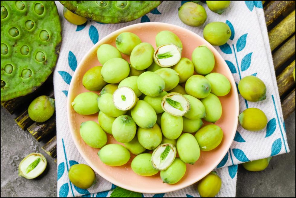 5 Cách chưng tổ yến hạt sen ngon thơm đúng điệu, bạn đã biết chưa ? 2