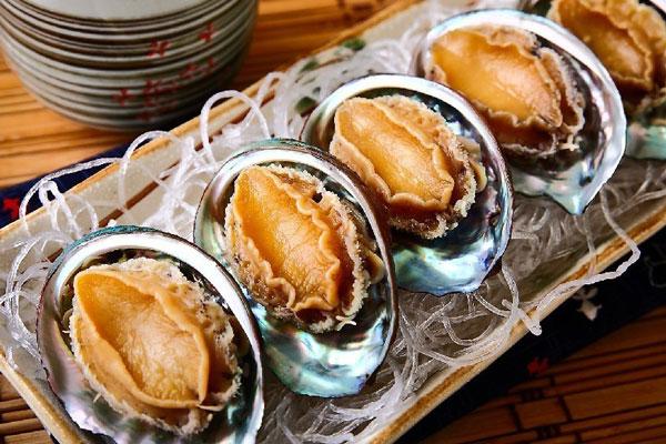 Hướng dẫn cách nấu cháo bào ngư yến sào thơm ngon 1