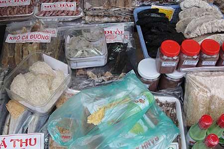 """Chợ Đầm - Nha Trang, thận trọng với """"mê hồn trận"""" yến sào 3"""