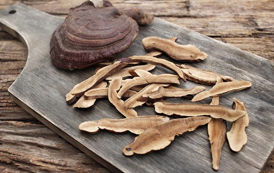 Mách nhỏ: Cách nấu trà nấm linh chi thái lát cực chuẩn 1