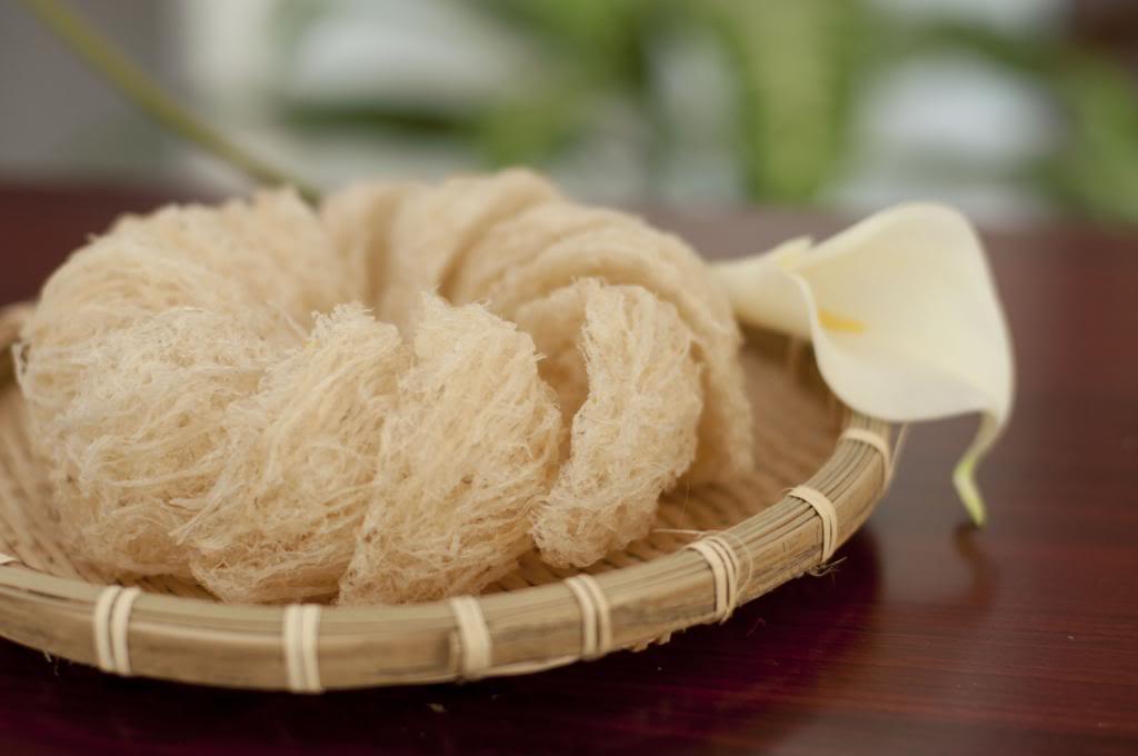 Tìm hiểu qui trình làm sạch lông và sấy khô tổ yến 1